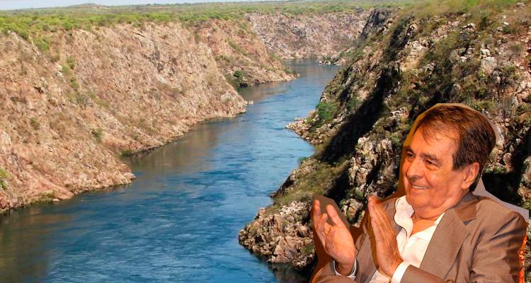 Benedito aplaude o Rio São Francisco